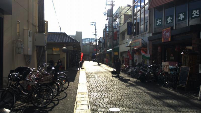 阪急長岡天神西側の飲食街